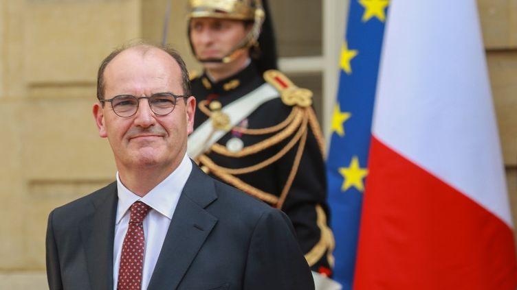 Le nouveau Premier ministre, Jean Castex, à Matignon lors de la passation de pouvoirs avec Edouard Philippe, le 3 juillet 2020. (LUDOVIC MARIN / AFP)