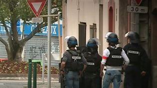 Ce mardi 7 mai, un homme mineur a pris en otage quatre femmes dans un bar-tabac à Blagnac (Haute-Garonne). Opération en cours. (FRANCE 3)