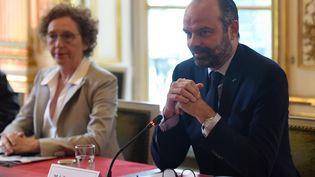 Edouard Philippe et Muriel Pénicaud, lors de la réception des partenaires sociaux à Matignon, le 18 juin 2019. (LUCAS BARIOULET / POOL)