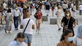 La rue de la République à Lyon, où le masque est désormais obligatoire. (MAXIME JEGAT / MAXPPP)