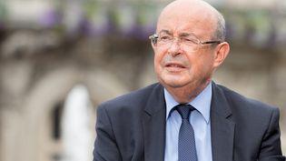 Le sénateur-maire PS de Tours, Jean Germain, le 31 août 2013, lors de l'inauguration de la première ligne de tramway de Tours (Indre-et-Loire). (  MAXPPP)