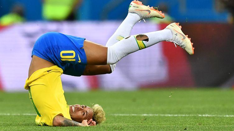 Le Brésilien Neymar lors de la rencontre entre le Brésil et la Suisse, le 17 juin 2018 à Rostov-sur-le-Don (Russie). (JOE KLAMAR / AFP)
