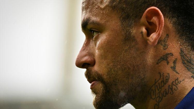 Neymar lors de la défaite parisienne à Lorient ce dimanche 31 janvier. (DAMIEN MEYER / AFP)
