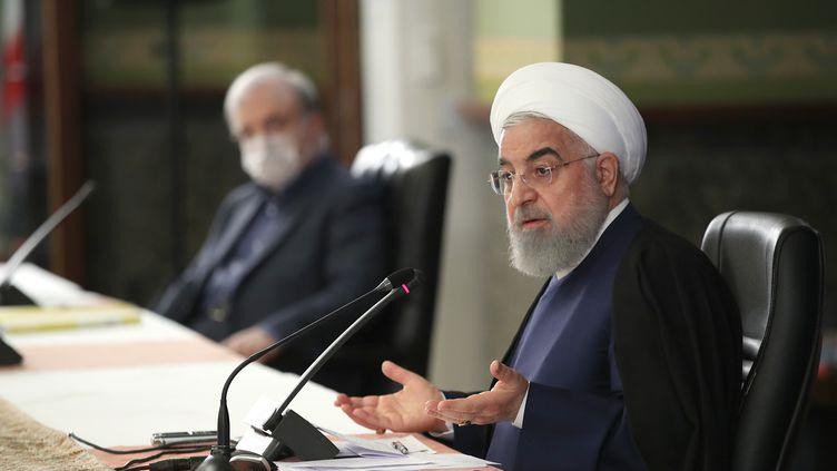 Malgré la recrudescence des cas de Covid-19, le président Rohani a autorisé la reprise des prières collectives dans les mosquées. (- / IRANIAN PRESIDENCY)