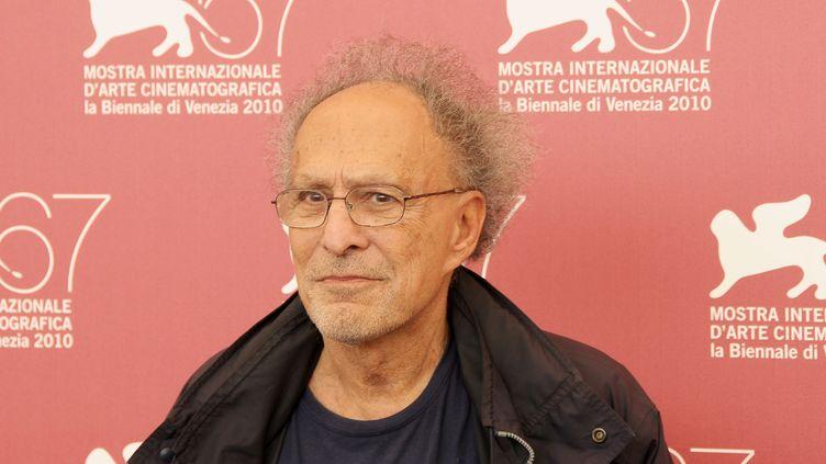 Le réalisateur américain Monte Hellman à la Mostra de Venise, le 10 septembre 2010 (©Y ASMINA BARBET / WOSTOK PRESS / MAXPPP)