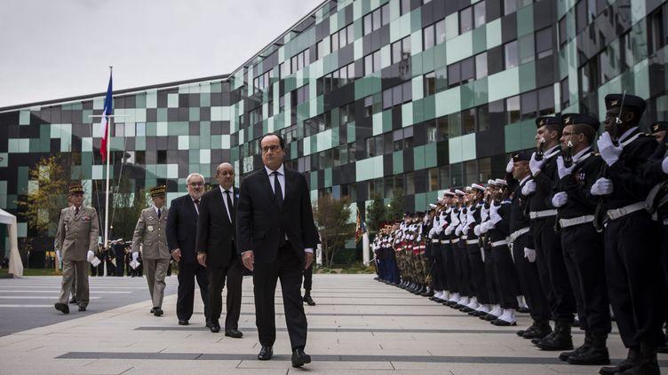 Le président de la République, François Hollande, inaugure le nouveau ministère de la Défense le 5 novembre 2015. (MAXPPP)