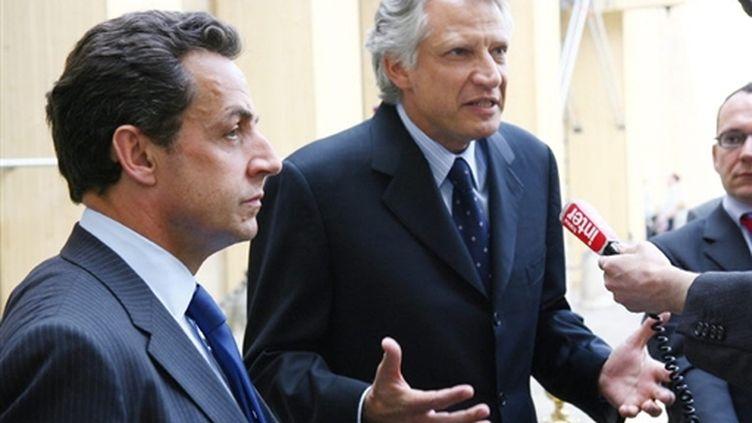 Nicolas Sarkozy et Dominique de Villepin lors de leur rencontre du 24 avril 2007 à Matignon (© AFP/THOMAS COEX)