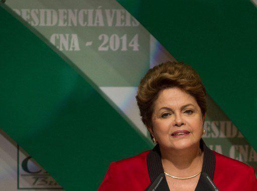 Brasilia, le 6 août 2014. La présidente du Brésil, Dilma Rousseff, candidate à sa réélection, lors d'une réunion avec les principaux dirigeants du secteur agricole. (ED FERREIRA / Estadao conteudo)