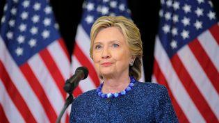 Hillary Clinton organise une conférence de presse après l'annonce du FBI concernant ses e-mails, le 28 octobre 2016, à Des Moines (Iowa, Etats-Unis). (BRIAN SNYDER / REUTERS)