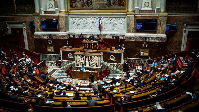L'Assemblée nationale, lors d'une session de questions au gouvernement, le 22 juin 2021. (XOSE BOUZAS / HANS LUCAS / AFP)