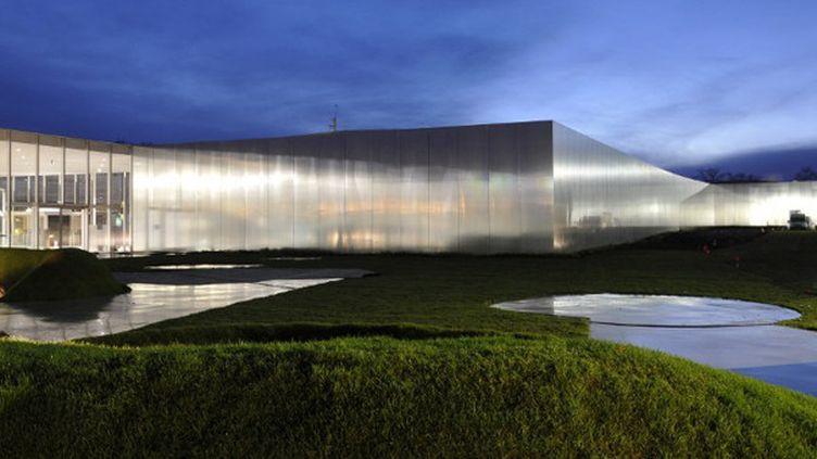 Le bâtiment du Louvre-Lens.  (Ana Rollinger / AFP )