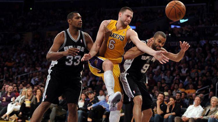 Les Spurs en pleine discussion