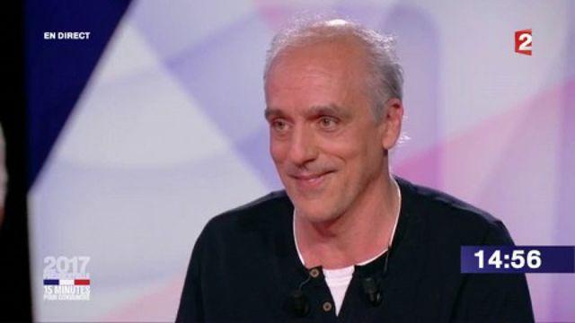 """Présidentielle : revivez le passage de Philippe Poutou dans """"15 minutes pour convaincre"""" sur France 2"""