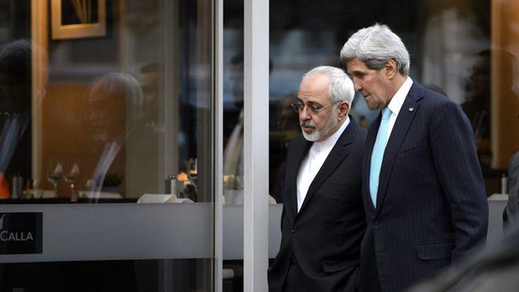 (John Kerry et Mohammad Zarif ont discuté, mercredi, au sujet du nucléaire iranien, pendant près de cinq heures © MAXPPP)