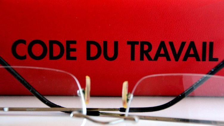 Le texte, qui contient 44 préconisations remises au Premier ministre Manuel Valls mercedi 9 septembre 2015, doit servir de base à la réforme du Code du travail. (GERARD BOTTINO / CITIZENSIDE.COM / AFP)
