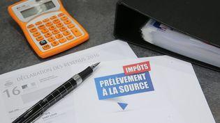 Un formulaire d'impôt sur le revenu et de prélèvement à la source. (MAXPPP)