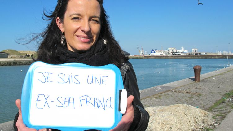 Licenciée par SeaFrance en janvier 2012, Mélanie Drollet pose devant le port de Calais (Pas-de-Calais), le 10 octobre 2012. (YANN THOMPSON / FTVI)