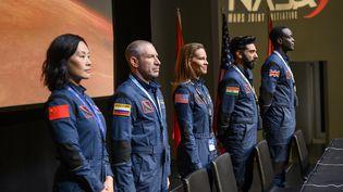 """Hilary Swank mène une expédition vers la planète Mars dans la série Netflix """"Away"""". (Diyah Pera/Netflix)"""
