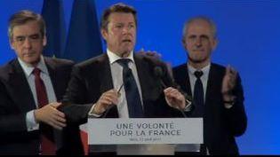 Christian Estrosi et François Fillon, lors du meeting du candidat de la droiteà Nice (Alpes-Maritimes), le 17 avril 2017. (EQUIPE DE CAMPAGNEE DE FILLON)