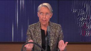 Elisabeth Borne, ministre du Travail, de l'Emploi et de l'Insertion, invitée de franceinfo mardi 5 janvier 2021. (FRANCEINFO / RADIO FRANCE)