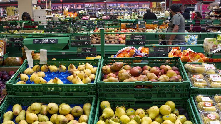 Les étals d'un supermarché à Montpellier (Hérault), le 26 octobre 2017. (MAXPPP)