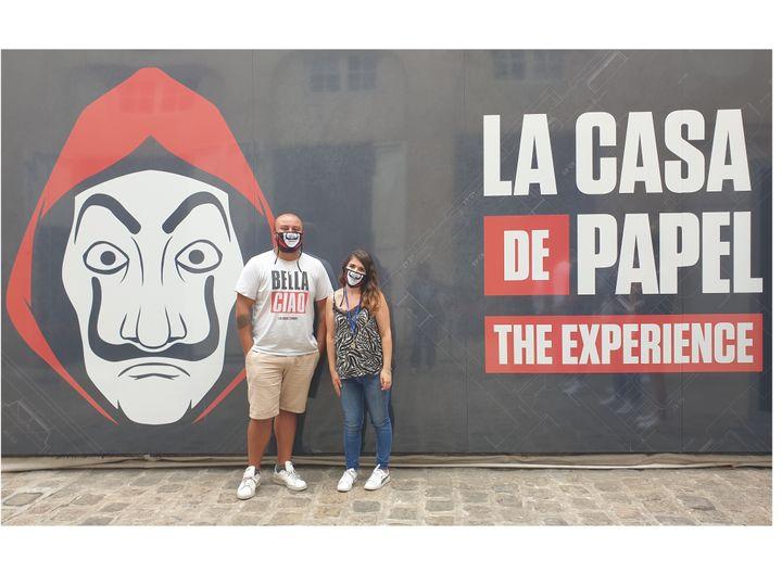 """Maxime et Kathline, deux fans de """"La Casa de Papel"""", enchantés à la sortie de l'expérience immersive (LEELA BADRINATH)"""