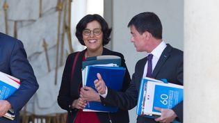La ministre du Travail Myriam El Khomri et le premier ministre Manuel Valls quittent l'Elysée après un conseil des ministres le 4 mai 2016. (CITIZENSIDE/YANN BOHAC / CITIZENSIDE)