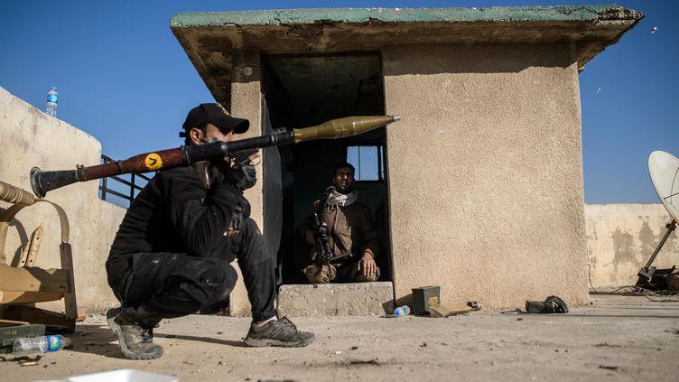 Un soldat des forces anti-terroristes irakiennes, le 24 novembre 2016 (CHRISTOPHE PETIT TESSON / MAXPPP)