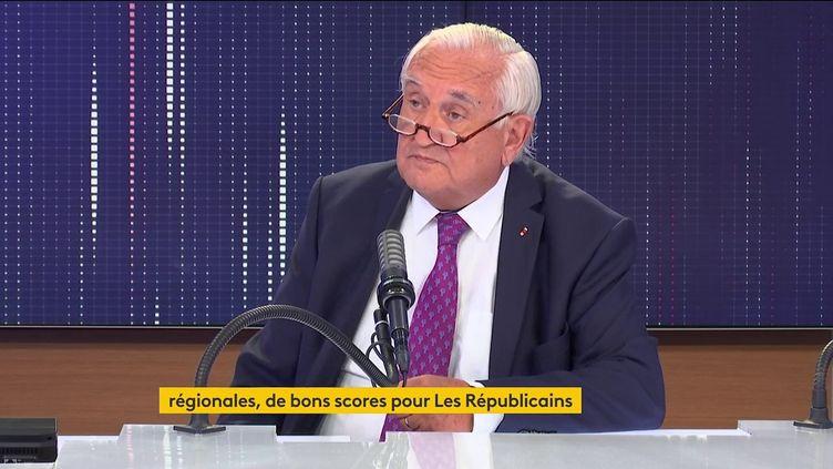 Jean-Pierre Raffarin, ancien Premier ministre, était l'invité de franceinfo mardi 22 juin 2021. (FRANCEINFO / RADIO FRANCE)