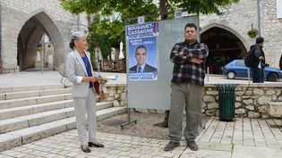 Sylvain, le sympathisant FN qui a alpagué Jean-Louis Costes sur le marché, le 19 juin 2013 à Monflanquin (Lot-et-Garonne). (THOMAS BAIETTO / FRANCETV INFO)