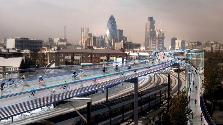 Le projet de l'architecte Norman Foster consiste en la construction de pistes cyclables de 15 mètres de large au-dessus des lignes de métro aériennes. (FOSTER+PARTNERS)