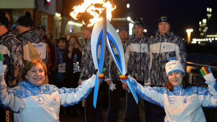 Les athlètes handisport, la Russe Olga Panteleyev et la Coréenne Bo Ra Mi