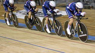 L'équipe de France de poursuite a remporté la médaille d'argent aux Mondiaux à Roubaix, jeudi 21 octobre. (FRANCOIS LO PRESTI / AFP)