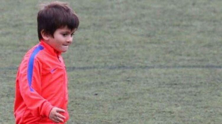 Le fils de Lionel Messi à l'entraînement avec la FCB Escola