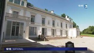 Tout au long de ce mois d'août, France 3 propose de vous faire découvrir des villas d'exception, comme celle du peintre Gustave Caillebotte. Après 20 ans de travaux, elle est devenue un lieu incontournable pour mieux comprendre et apprécier l'impressionnisme. (FRANCE 3)