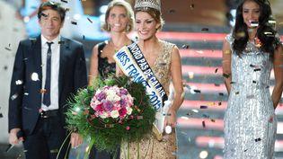 Camille Cerf, Miss Nord-Pas-de-Calais, a été élue Miss France lors d'une cérémonie au Zénith d'Orléans (Loiret), le 6 décembre 2014. (NIVIERE / SIPA)
