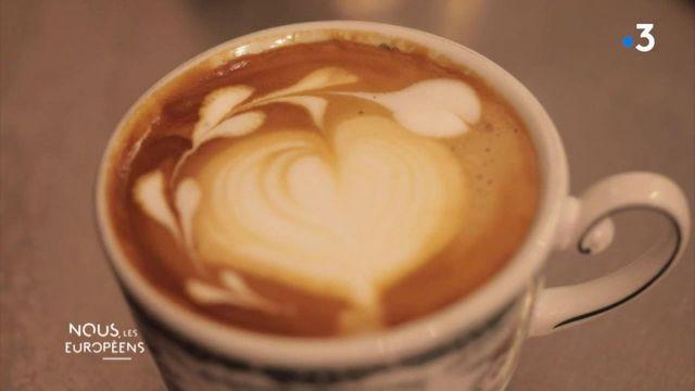 """VIDEO. Gastronomie : """"A Naples, ont dit que le café est une chose sérieuse"""""""