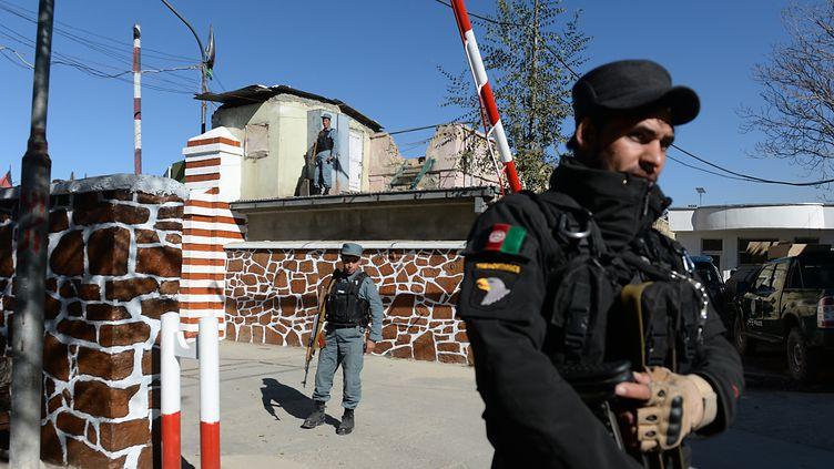 Le quartier général de la police à Kaboul (Afghanistan) a été visé par un attentat-suicide, le 9 novembre 2014. (SHAH MARAI / AFP)