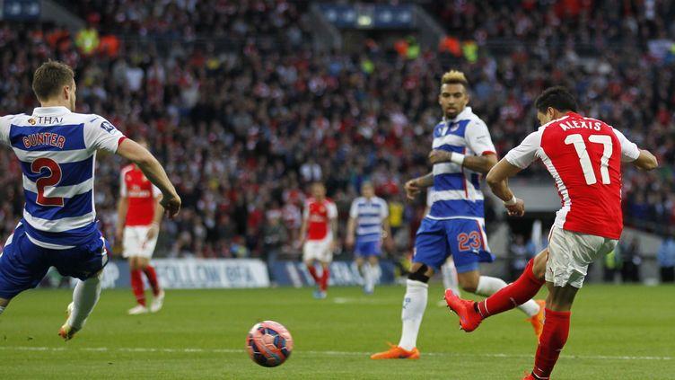 Alexis Sanchez décisif pour Arsenal face à Reading (IAN KINGTON / AFP)