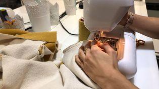 L'atelier Fanchon donne des cours de couture, dans le 16e arrondissement de Paris. (LUC CHEMLA / RADIO FRANCE)