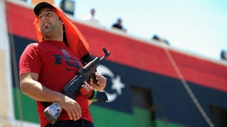Un rebelle libyen à Benghazi, le 20 mai 2011. (AFP)