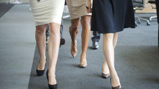 """L'""""upskirting"""" consiste à filmer sous la jupe de femmes à leur insu. (MAXPPP)"""