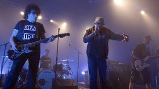 Le guitariste Norbert Krief (à gauche) et Bernie Bonvoisin,les fondateurs du groupe Trust enfin réconciliés.  (MAXPPP)