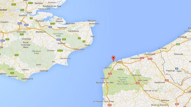 C'est un migrant retrouvé sur une plage de Sangatte (Pas-de-Calais) qui alerté les secours au sujet de ses quatre compagnons à la dérive, samedi 6 février. (GOOGLE MAPS)