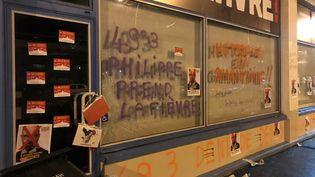 La permanence d'Edouard Philippe au Havre a été caillassée et taguée, le 29 février 2020. (NATALIE CASTETZ / AFP)