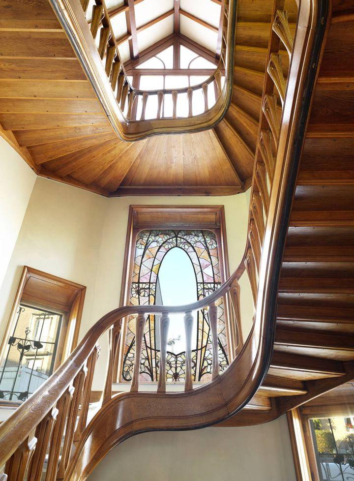 Escalier principal, 1 er étage. Villa Majorelle, à Nancy, décembre 2019. (SIMÉON LEVAILLANT)