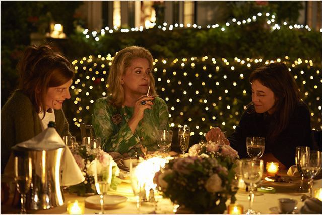 """Chira Mastroianni, Catherine Deneuve et Charlotte Gainsbourg dans """"3 Coeurs"""" de Benoît Jacquot  (Wild Bunch Distribution )"""