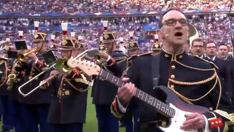 La vidéo de ce moment, où fuse l'émotion des 80 000 spectateurs du stade, a fait le tour du web. (Capture d'écran - TF1)