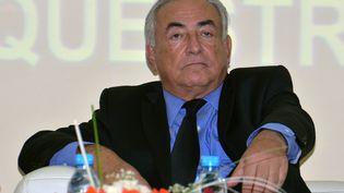 Dominique Strauss-Kahn lors de la conférence qu'il a donnée le 21 septembre 2012à l'Université privée de Marrakech (Maroc). (OURRAK ABDSAMIAA / AFP)