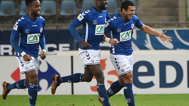 La joie des joueurs du RC Strasbourg (FREDERICK FLORIN / AFP)